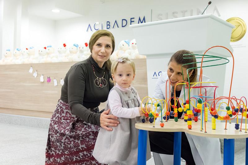 """Во """"Аџибадем Систина"""" одбележан светскиот ден на предвреме родените бебиња"""